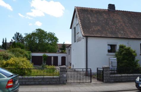 DHH mit großem Grundstück für Gartenliebhaber, 67227 Frankenthal, Haus