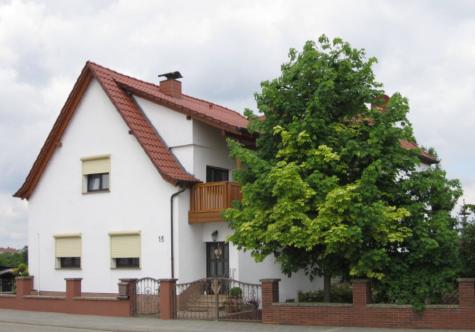 TOP gepflegtes 1-2 FH in Ortsrandlage, 67227 Eppstein, Haus