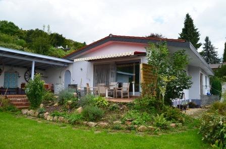 Hochwertig mit schönem Ausblick in Bestlage, 67269 Grünstadt, Einfamilienhaus