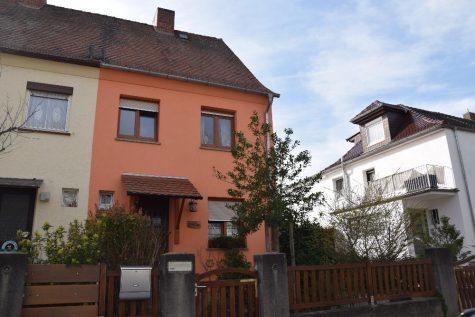 Idyllische Doppelhaushälfte in Frankenthal!!, 67227 Frankenthal, Doppelhaushälfte