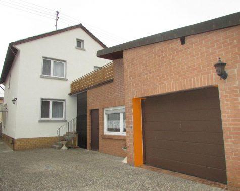 Frankenthal-Flomersheim Einfamilienhaus mit zwei Garagen, 67227 Frankenthal-Flomersheim, Haus