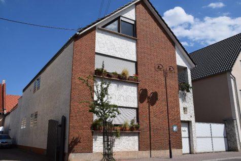 Mehrfamilienhaus in Hessheim, 67258 Hessheim, Mehrfamilienhaus