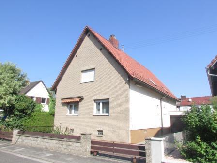 Gepflegtes 1-2 Familienhaus in ruhiger Lage mit 5 Garagen, 67258 Heßheim, Einfamilienhaus