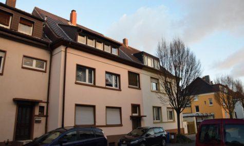 Charmantes Mehrfamilienhaus!! Nähe Ebertpark, 67063 Ludwigshafen, Mehrfamilienhaus